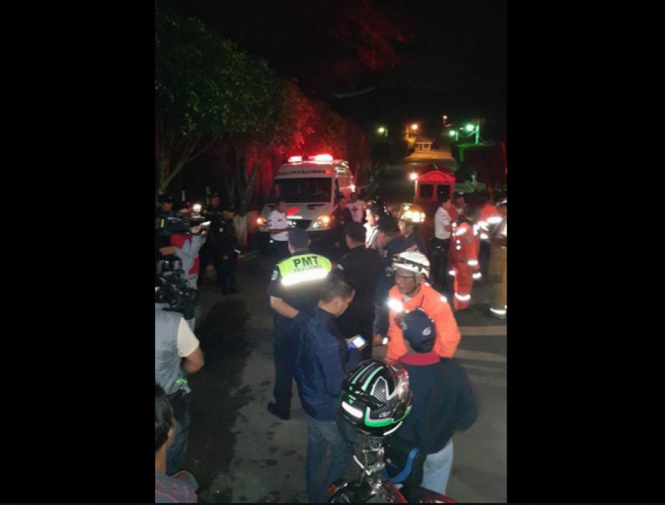 Paramédicos, policías y elementos de la PMT fueron movilizados, pero todo fue falso. (Foto: Facebook/QueHuboPinula)