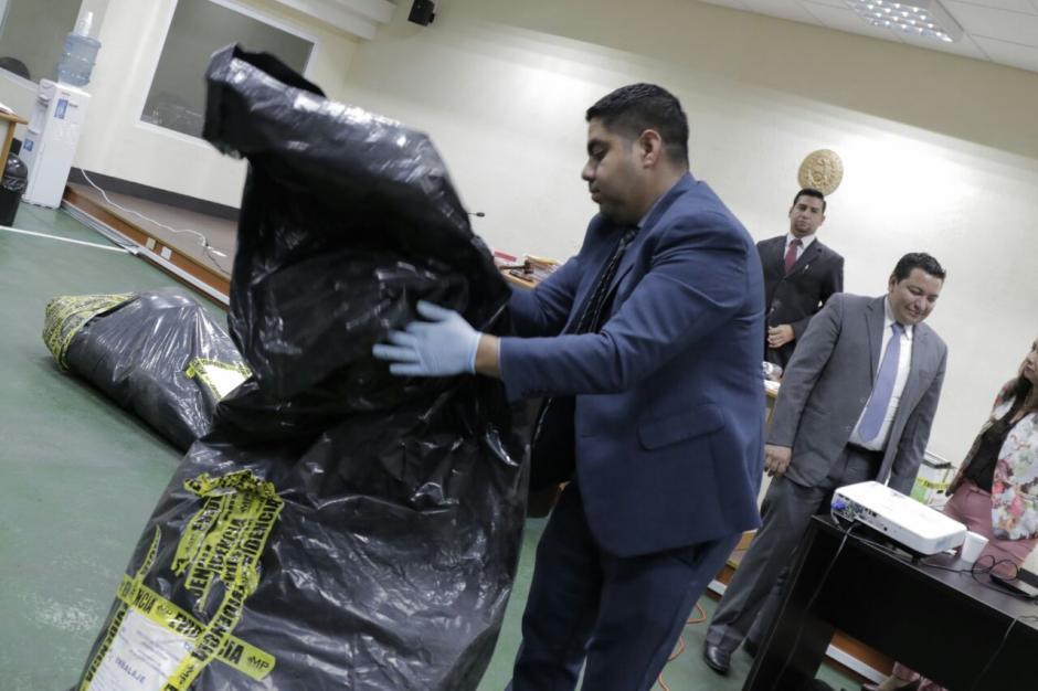 La presentación de la evidencia se realizó en la sala de audiencias. (Foto: Alejandro Balán/Soy502)