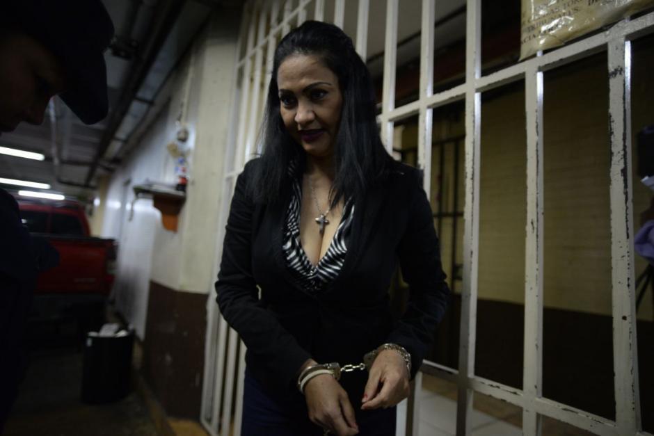 Con otro aspecto, se presentó a la Torre de Tribunales para comparecer ante el Juzgado de Extinción de Dominio. (Foto: Wilder López/Soy502)
