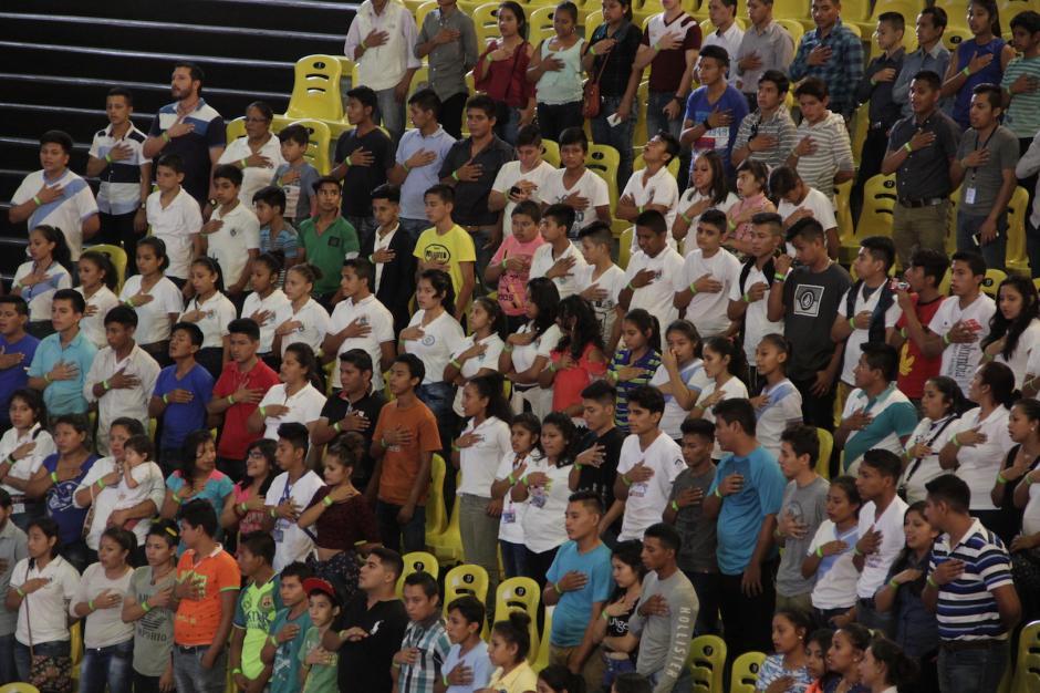 Los estudiantes llegaron de diversos centros escolares. (Foto: Fredy Hernández/Soy502)