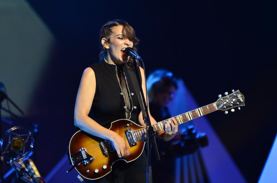 Antes de despedirse, interpretó dos canciones más. (Foto: Selene Mejía/Soy502)