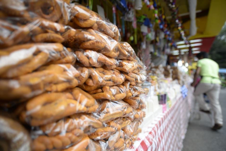 Antojos de varios tipos se pueden comprar en la festividad. (Foto: Wilder López/Soy502)