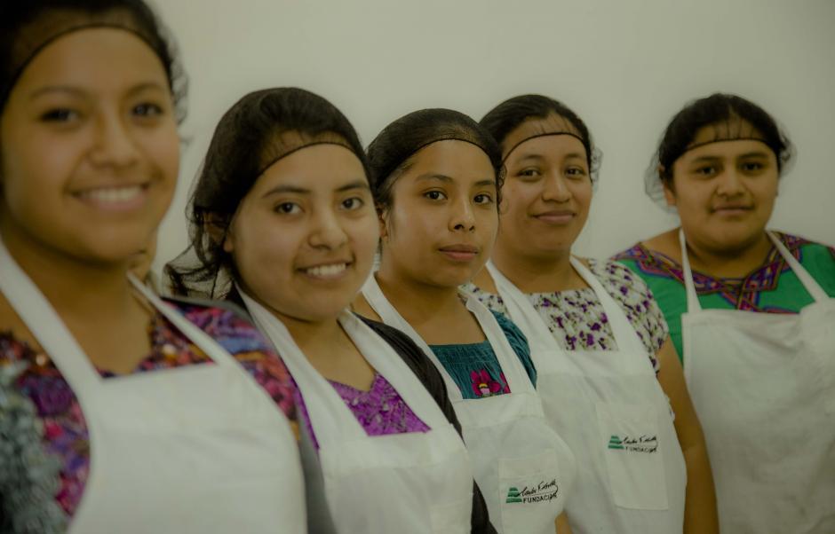 Más de mil mujeres participaron en el programa Mejores Familias. (Foto: Víctor Xiloj/Soy502)