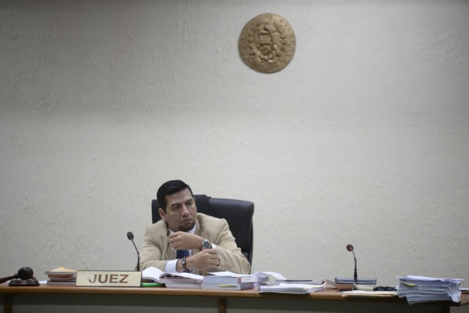 El titular del Juzgado Cuarto de Instancia Penal, Carlos Guerra, continuará con la audiencia este domingo. (Foto: Wilder López/Soy502)