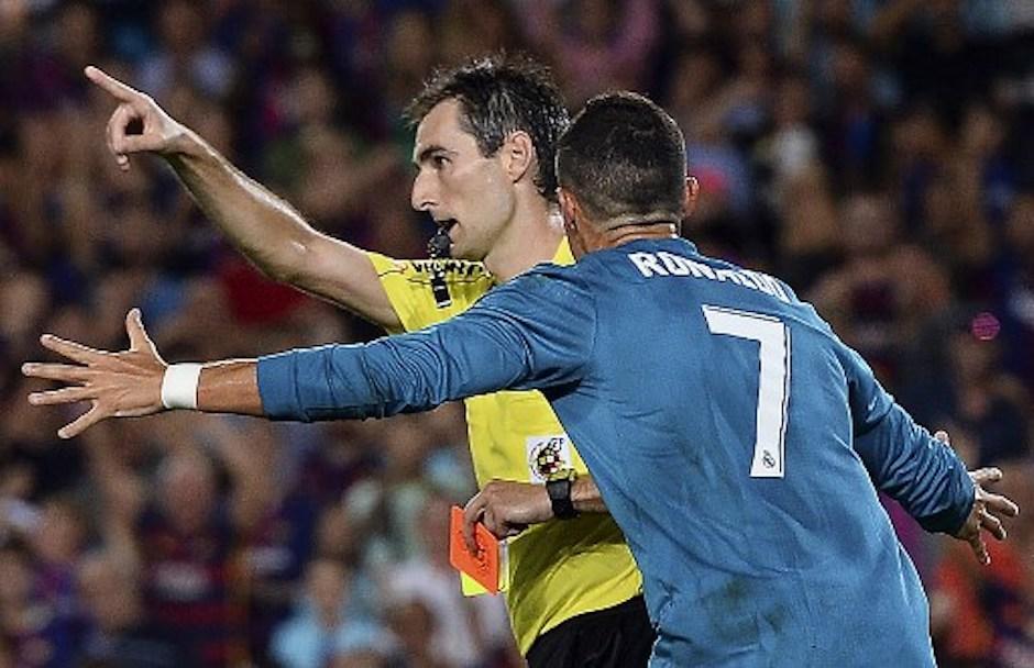 Cristiano, fuera cinco partidos por empujar a árbitro
