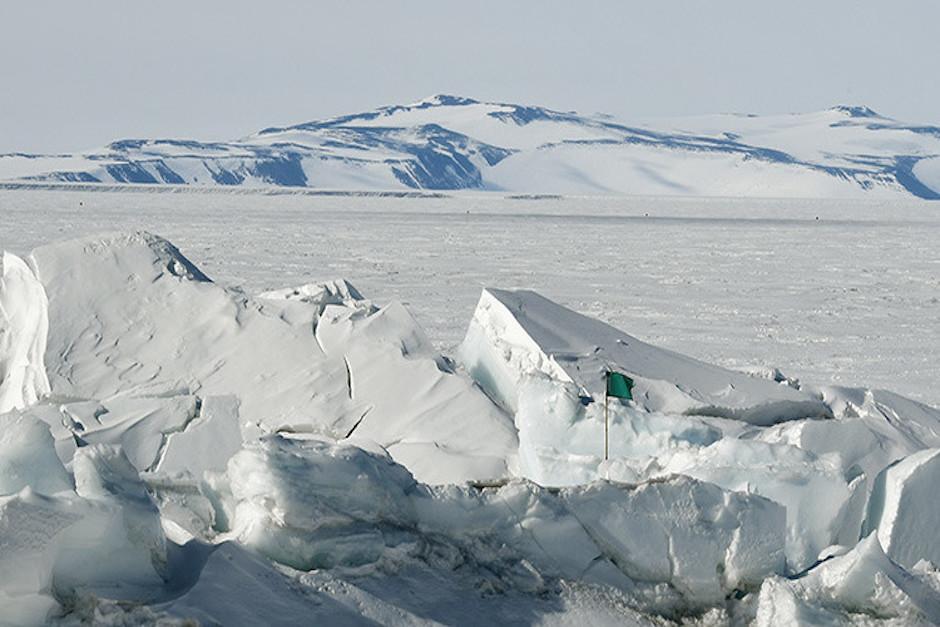 Científicos descubren más de 50 volcanes en el oeste de la Antártida