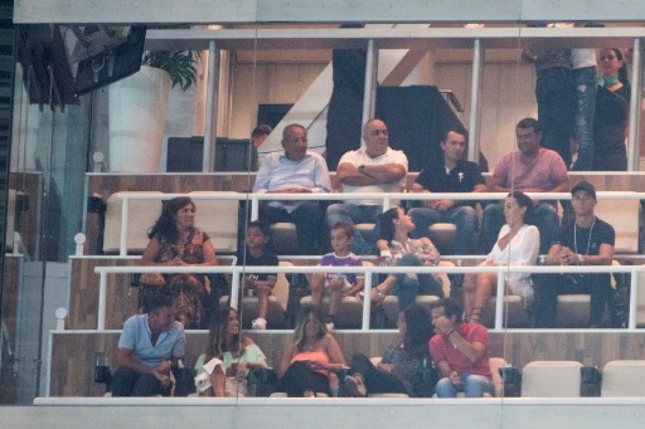 Cristiano Ronaldo vio el partido desde el palco ya que está suspendido cinco partidos. (Foto: AFP)