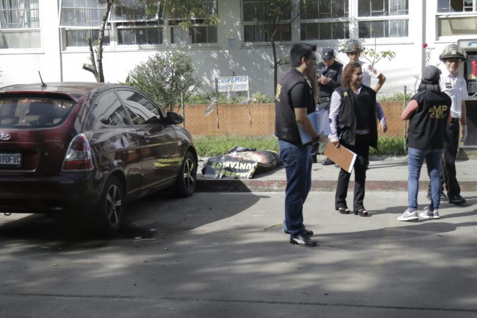 Al menos cuatro personas murieron en el ingreso al hospital. (Foto: Alejandro Balán/Soy502)