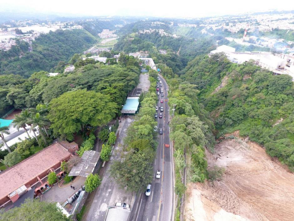 El transporte pesado queda restringido mientras se realizan los trabajos. (Foto: Facebook/ Amílcar Montejo)