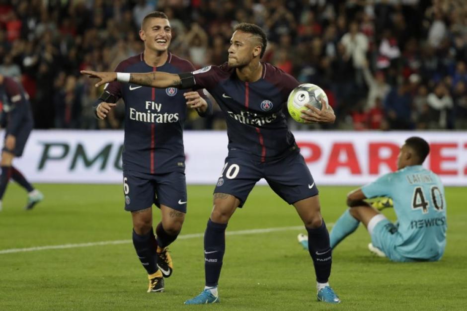 El brasileño colaboró con dos anotaciones para su nuevo equipo. (Foto: AFP)