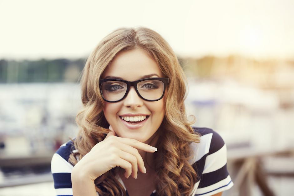 Descubre el estilo de anteojos perfectos para tu rostro | Soy502