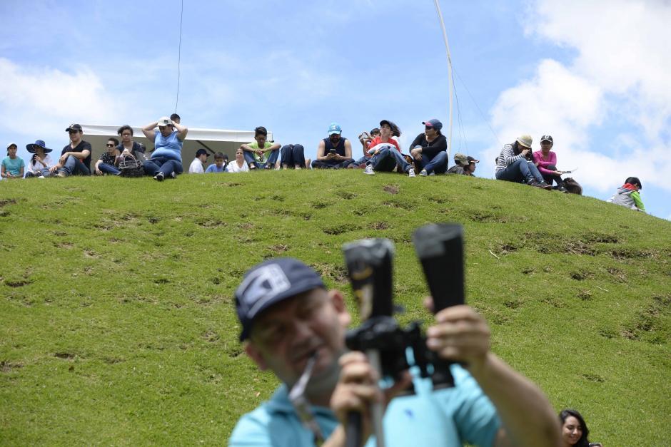 Los curiosos llegaron desde las 10 de la mañana al Museo Miraflores. (Foto: Wilder López/Soy502)