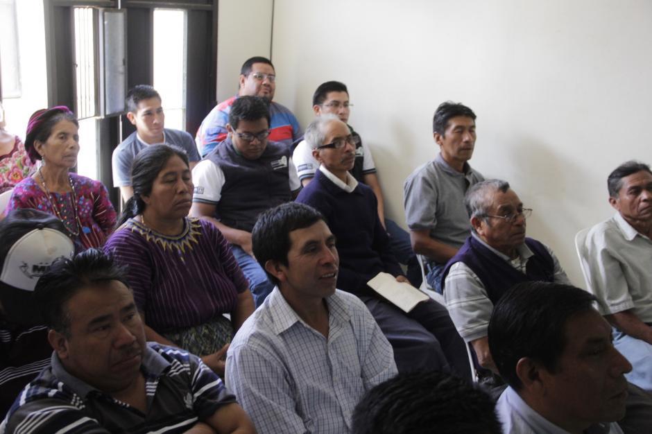 Los participantes se mostraron interesados en la explicación. (Foto: Fredy Hernández/Soy502)