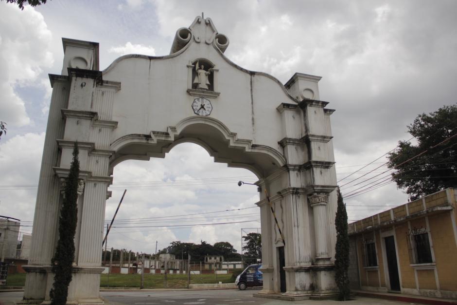 Un arco da la bienvenida a propios y visitantes a este rinconcito de Sacatepéquez. (Foto: Fredy Hernández/Soy502)