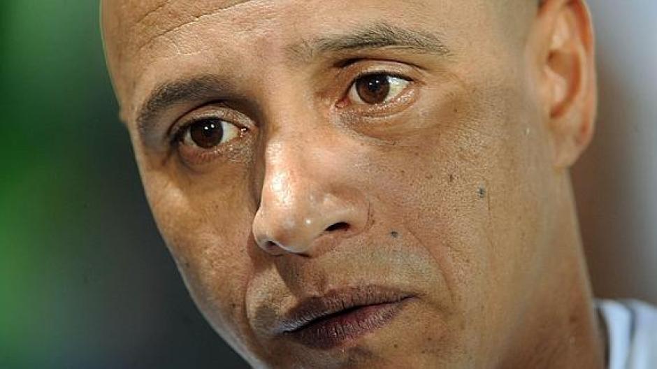 Ordenaron la detención de Roberto Carlos