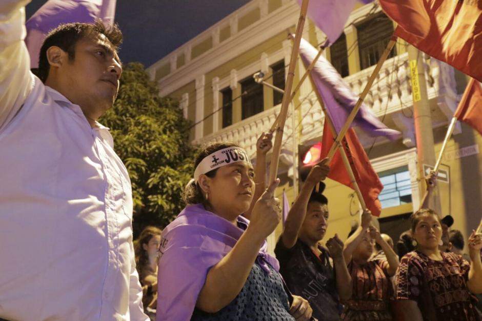 Los inconformes piden que el presidente Jimmy Morales renuncie a la presidencia. (Foto: Alejandro Balán/Soy502)