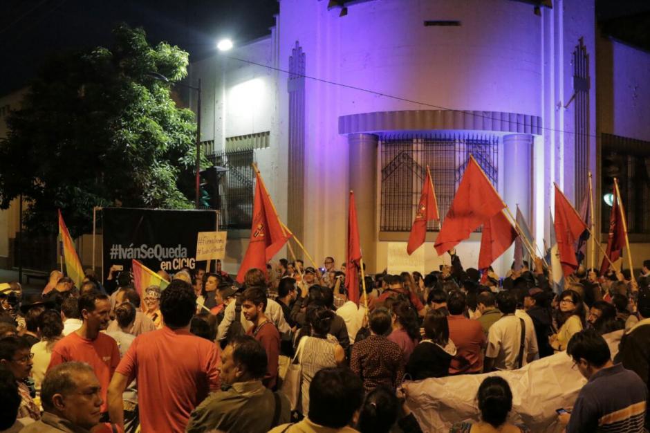 Distintos grupos se unieron para manifestar en contra de Morales. (Foto: Alejandro Balán/Soy502)