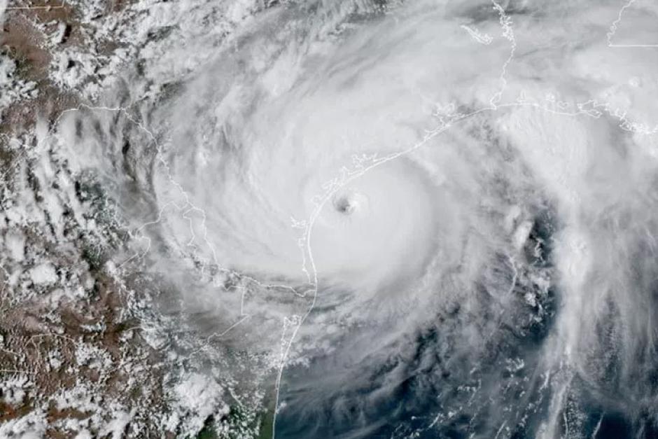 Resultado de imagen para huracan harvey desde el espacio