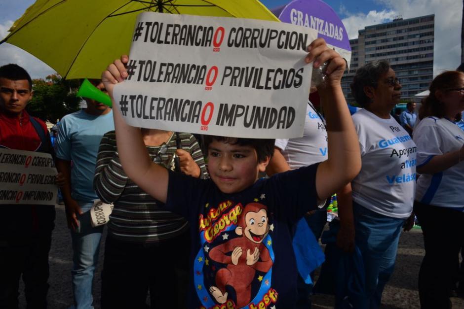 Los manifestantes apoyaron la labora de Iván Velásquez y la CICIG.  (Foto: Jesús Alfonso/Soy502)