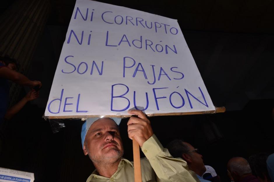 Consignas criticaron la administración de Jimmy Morales.  (Foto: Jesús Alfonso/Soy502)