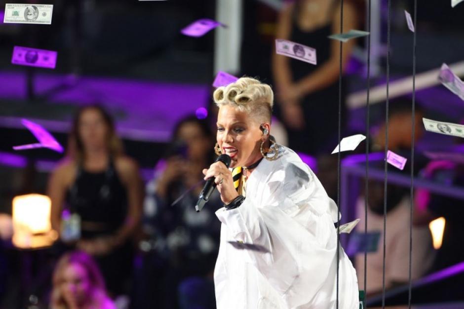 Pink obtuvo premio especial en los VMA. (Foto: AFP)