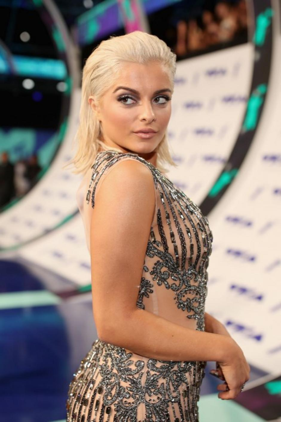 Bebe Rexha en los Video Music Awards 2017. (Foto: AFP)