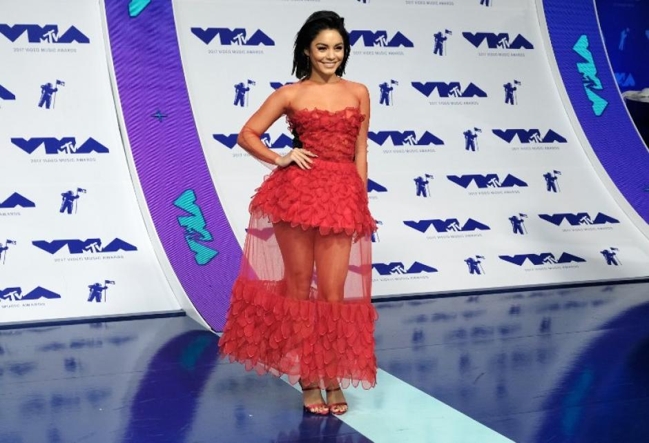 Vanessa Hudgen en los Video Music Awards 2017. (Foto: AFP)