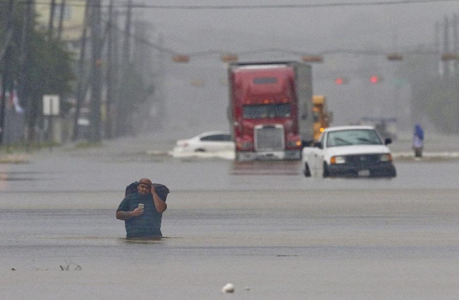 Miles de personas han sido evacuadas. (Foto: AFP)