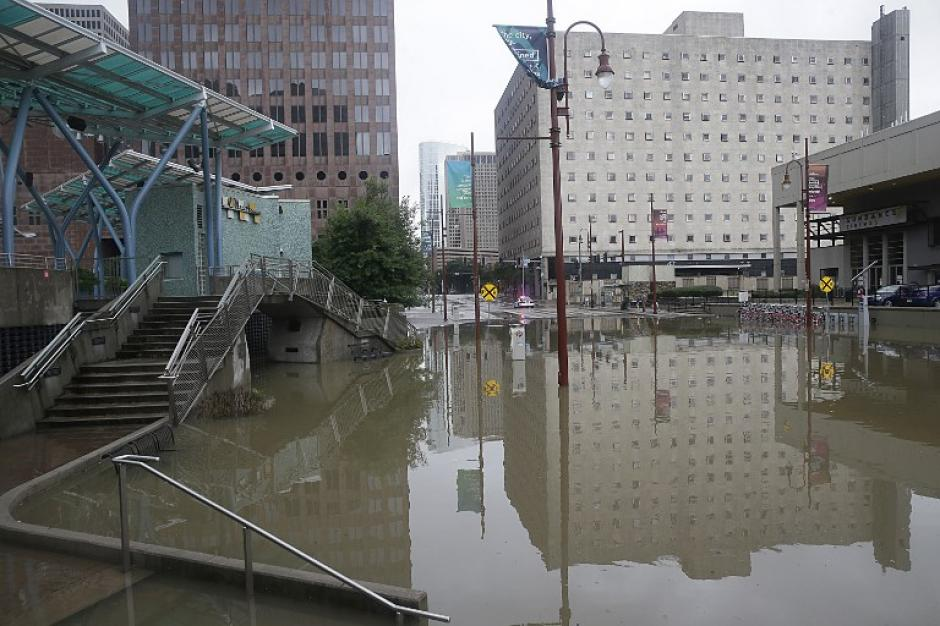 Las calles de la cuarta ciudad más importante de Estados Unidos están inundadas. (Foto: AFP)