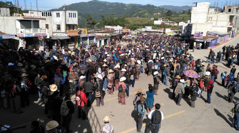 En el sector conocido como Los Encuentros se hizo una protesta. (Foto: Provial)