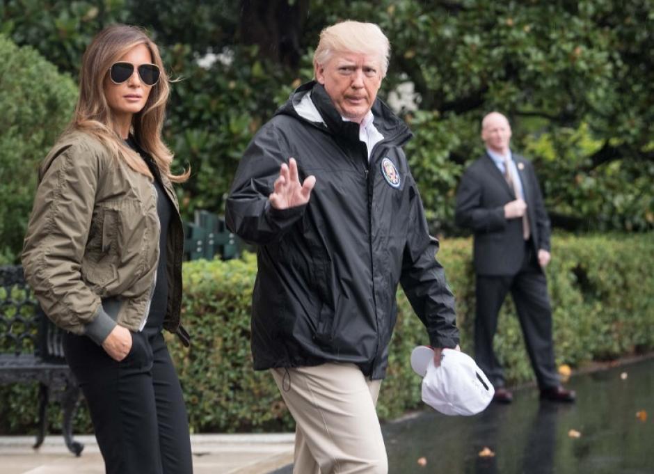 Melania y Donald Trump llegaron este martes a las zonas afectadas en Houston. (Foto: AFP)