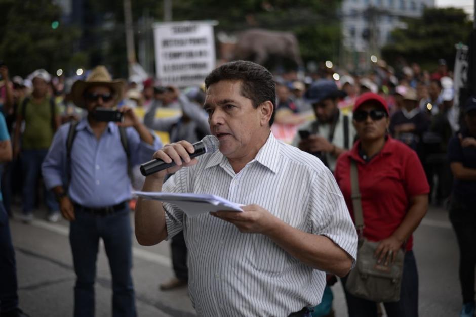 El líder del sindicato de maestros, Joviel Acevedo, encabeza la protesta. (Foto: Wilder López/Soy502)