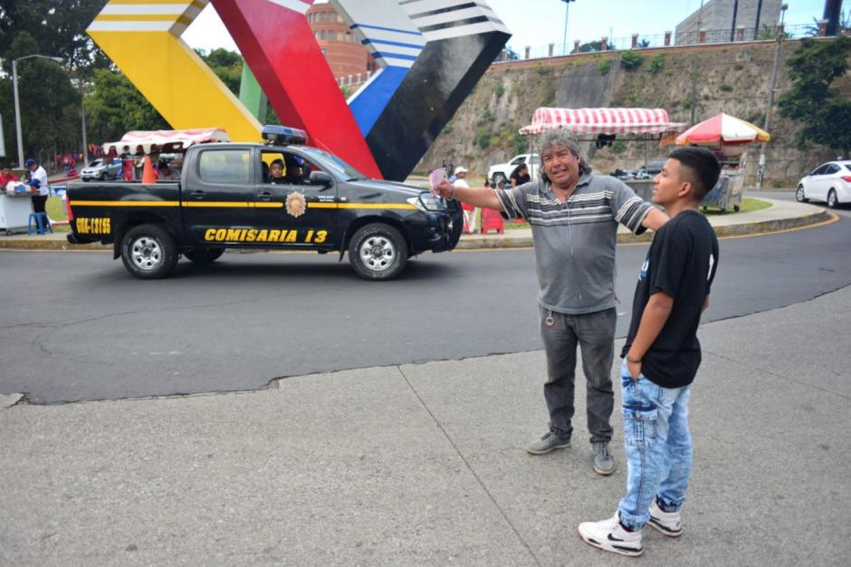 Muchos revendedores se quedaron con varias entradas. (Foto: Jesús Alfonso/soy502)