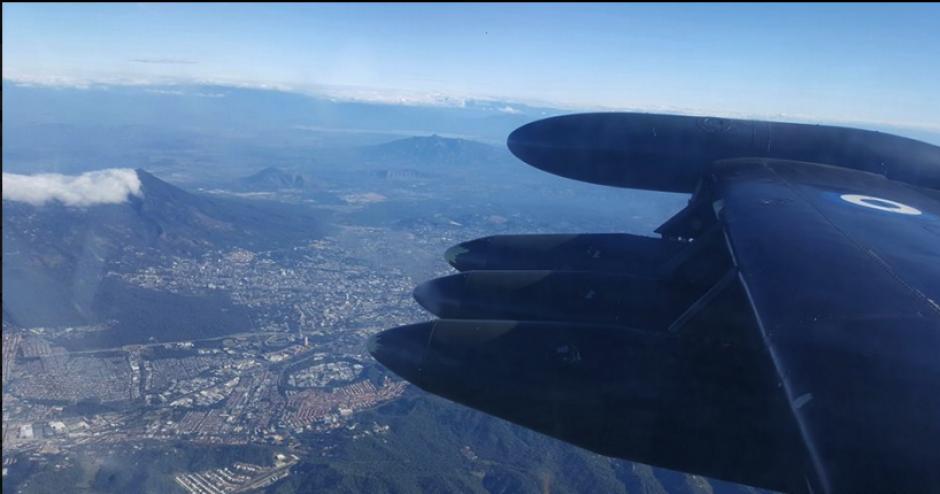 Los pilotos realizaron varias maniobras en el aire. (Foto: Diego Guerrero/Facebook)