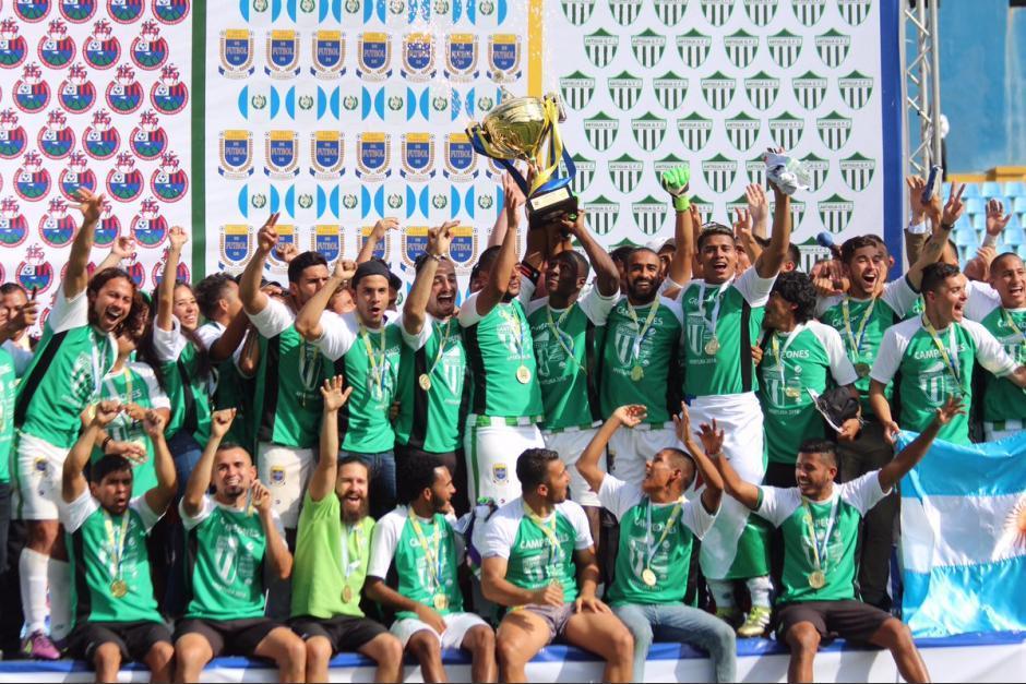 Antigua levantaron nuevamente la copa al vencer a Municipal en 2016. (Foto: Archivo/Nuestro Diario)