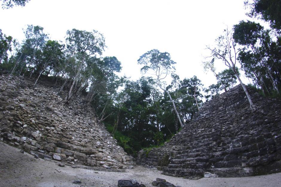 La pirámide del Tigre está a pocos metros del campamento. (Foto: Fredy Hernández/Soy502)
