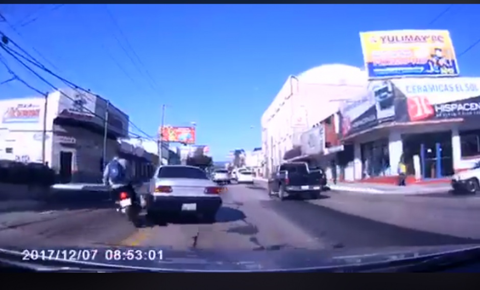 El video del accidente fue compartido en redes sociales. (Foto: captura de pantalla)