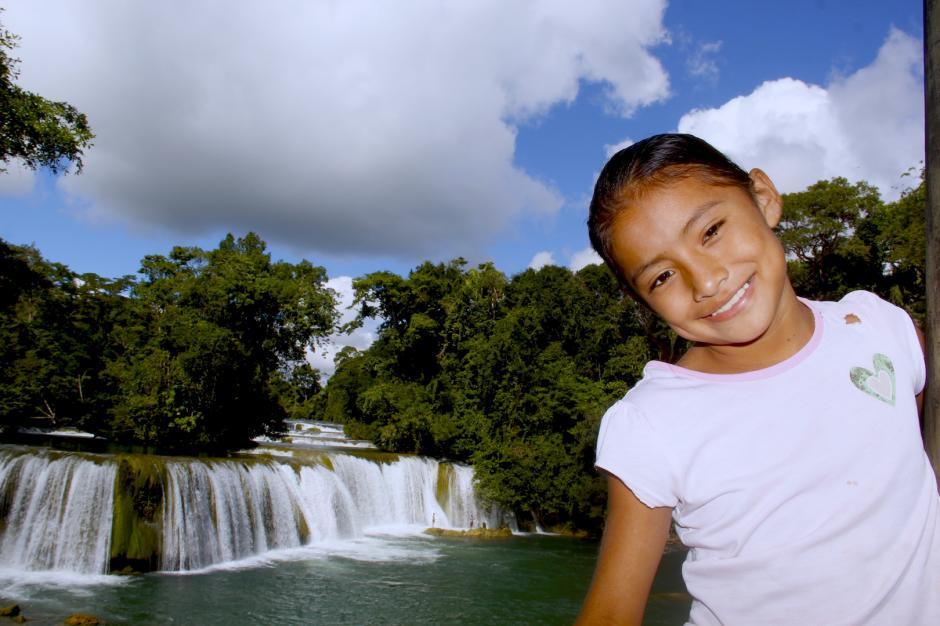 La hospitalidad de los pobladores de Chahal te reciben con una sonrisa en el parque natural Las Conchas. (Foto: Fredy Hernández/Soy502)