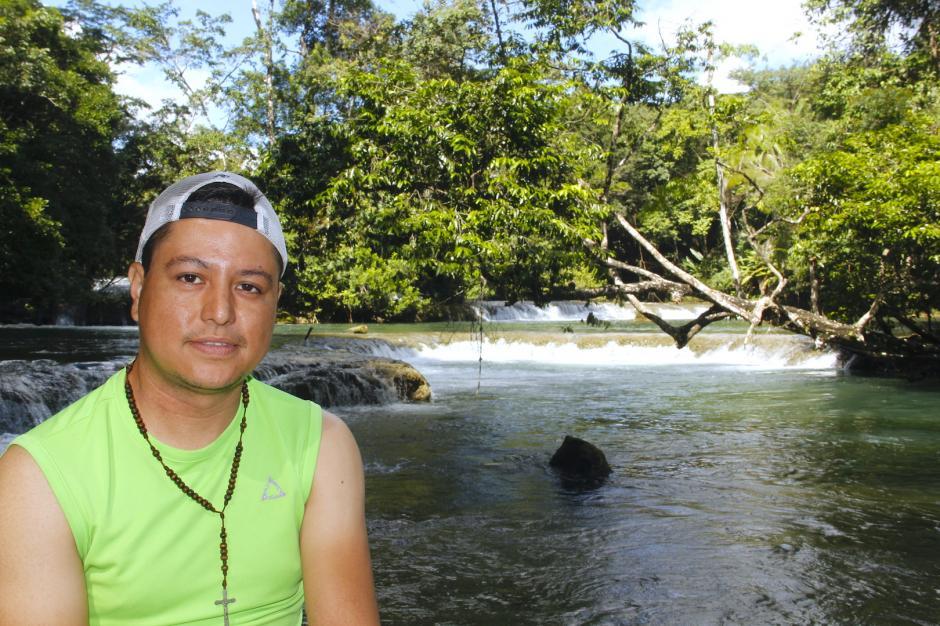 Charlie Sierra condujo su bicicleta más de 450 kilómetros para conocer Las Conchas. (Foto: Fredy Hernández/Soy502)