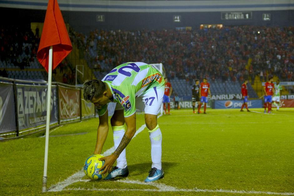 Alejandro Díaz ingresó en el segundo tiempo y provocó mucho peligro en la puerta edil. (Foto: Fredy Hernández/Soy502)