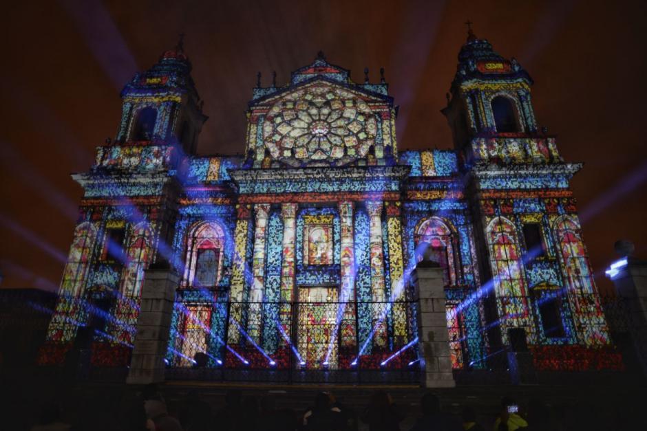 Así lució la Catedral Metropolitana con las imágenes 3D. (Fotos: Wilder López/Soy502)