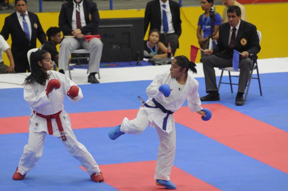 Cheili venció a la hondureña Carla Armijo. (Foto: Pedro Pablo Mijangos/ Nuestro Diario)