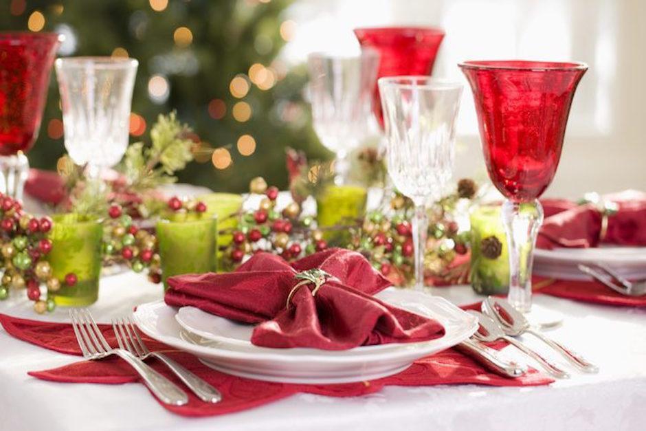As puedes decorar tu mesa para la cena de noche buena for Decorar mesa navidad para cena