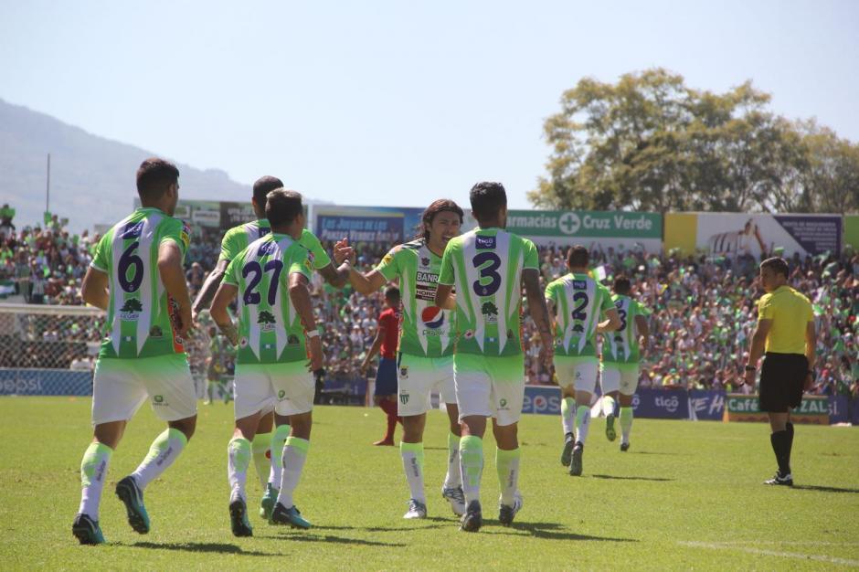 La final del fútbol guatemalteco se está disputando en Antigua Guatemala. (Foto: Fredy Hernández/Soy502)