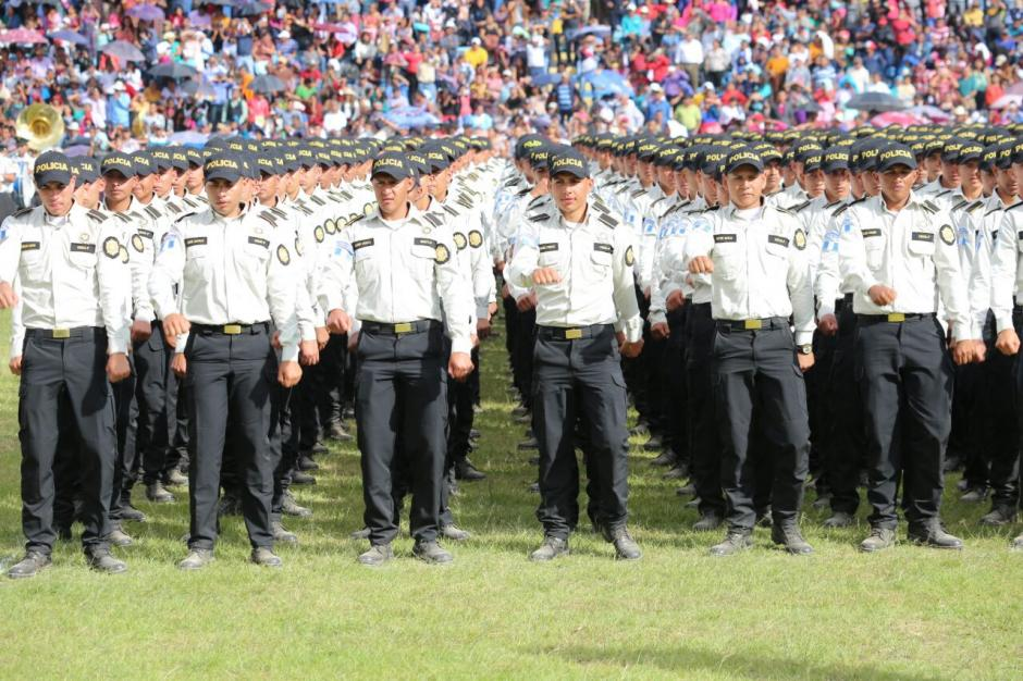 Presentan el nuevo uniforme de los agentes de la PNC. (Foto  PNC) c9830cd6ebc