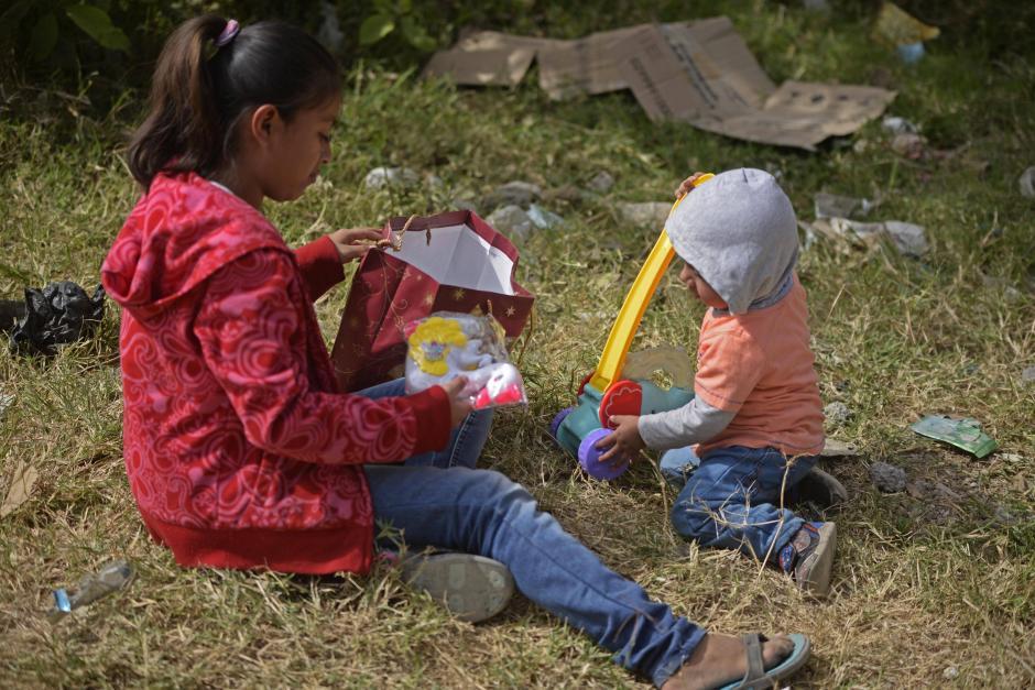Los regalos son donados por familias y empresas. (Foto: Wilder López/Soy502)
