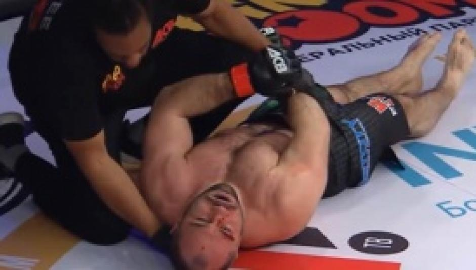 Peleador de MMA recibe tremenda paliza en 30 segundos. (Foto: Captura de video)