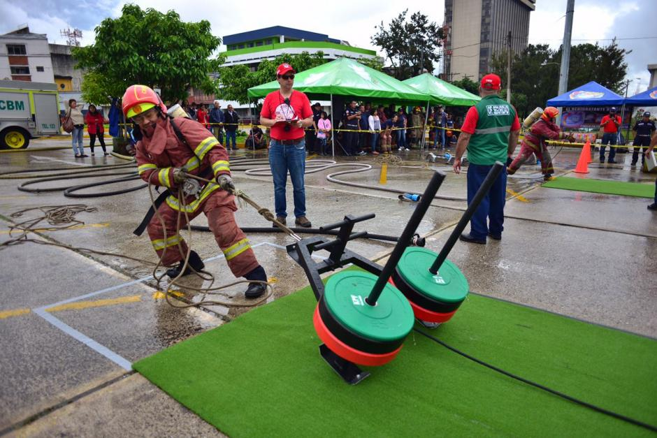 Las pruebas incluyeron desafíos de fuerza y de habilidad. (Foto: Jesús Alfonso/Soy502)