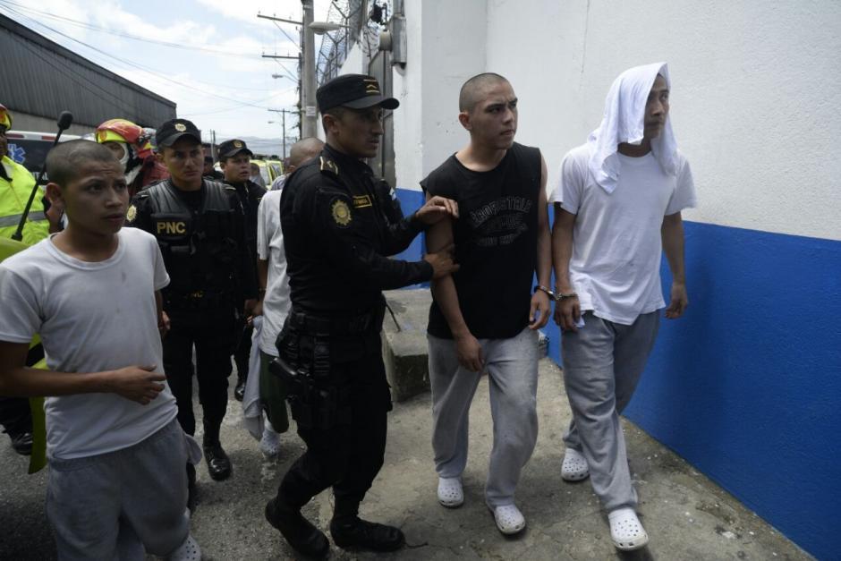 Algunos fueron detenidos de forma inmediata. (Foto: Wilder López/Soy502)