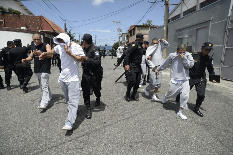 Seis internos se tiraron a una casa vecina al correccional. (Foto: Wilder López/Soy502)